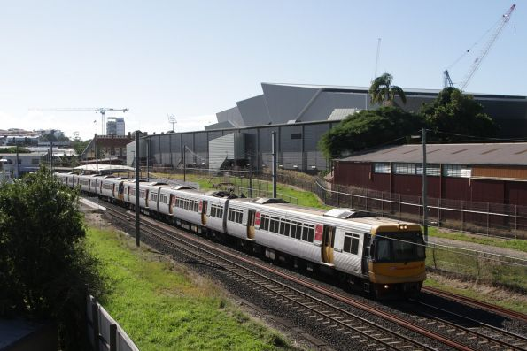 EMU81 passes Exhibition station on a southbound suburban service