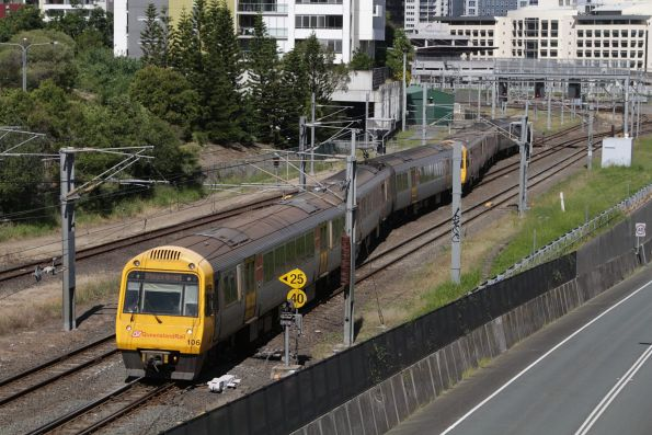 IMU106 departs Roma Street on a Brisbane Airport service via Normanby