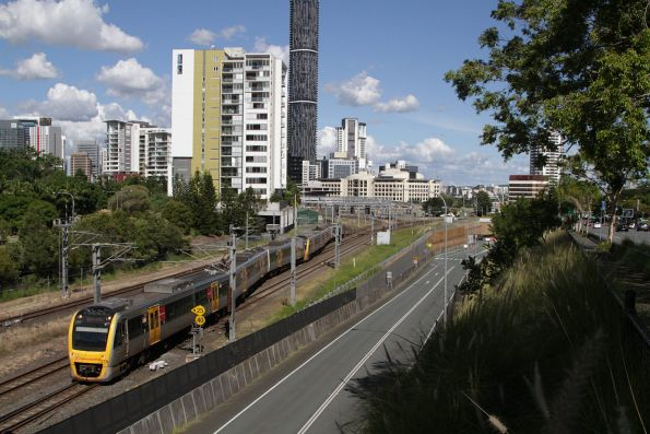 SMU278 departs Roma Street on a Caboolture service via the Exhibition Loop
