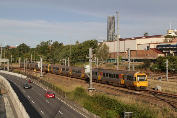 IMU101 southbound at Normanby with a Gold Coast bound service