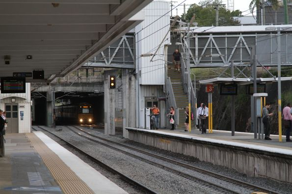 Down train arrives into Bowen Hills on the 'Down Main'