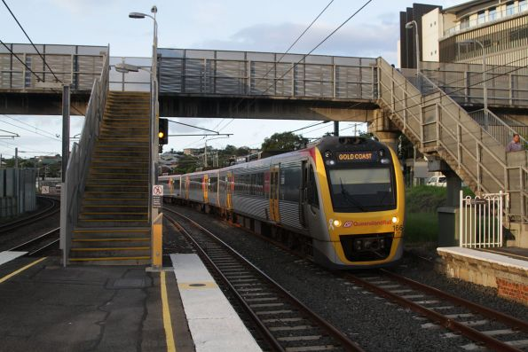 IMU166 arrives into Albion with a Gold Coast bound service