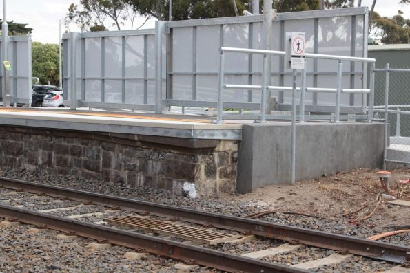 Dodgy looking platform tweaks at Diggers Rest platform 2