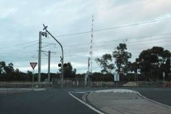 Dodgy level crossing at Diggers Rest: Diggers Rest-Coimadai Road and Calder Highway