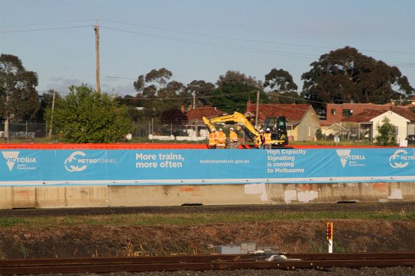 'High capaicty signalling is coming to Melbourne' banner around the Sunshine signal control centre site