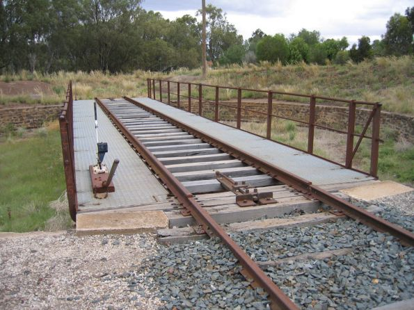 Nice steel walkway on the Swan Hill turntable