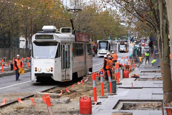 Z1.36 passes the slow moving platform stop work at Swanston and Collins Streets