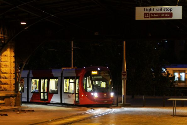 Urbos 3 LRV 2115 arrives at Central Station