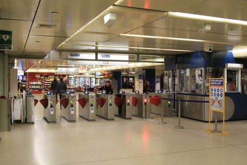 Ticket barriers at Edgecliff station