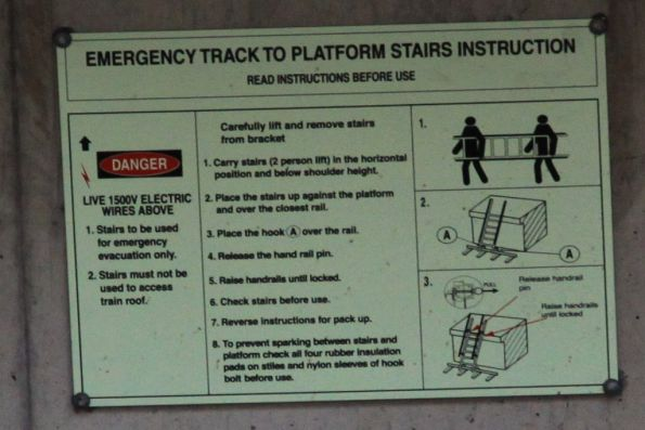 Instructions for the emergency track to platforms stairs