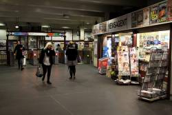 Newsagent on the main concourse at Museum station