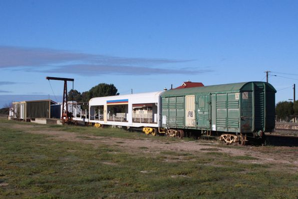 A rather odd collection of wagons... including ALGX 32 and AZBF 2681