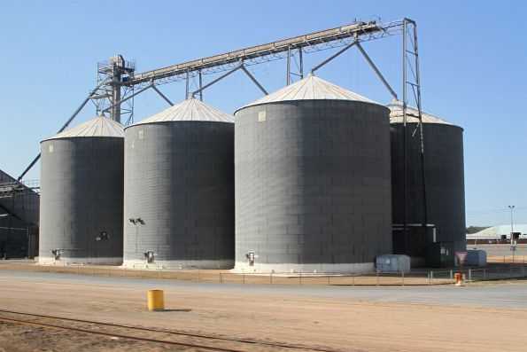 Steel grain silos at Tailem Bend