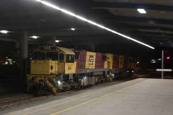 Locomotives 2414 and 2152 run around the empty train at Cairns