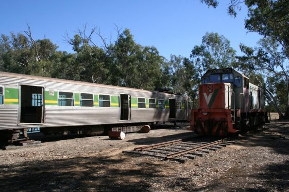 Torrumbarry T class and Hitachi carriages