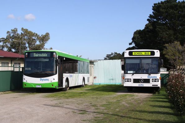 Dysons 4017AO and 0915AO outside Lakes Entrance