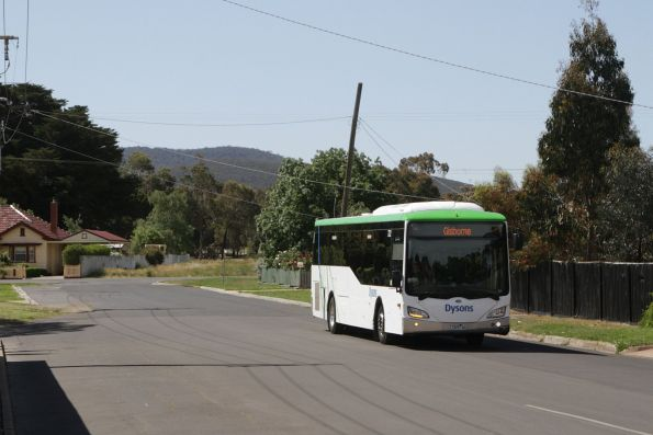 Dysons bus #722 rego 7325AO on a Gisborne-bound service in Riddells Creek