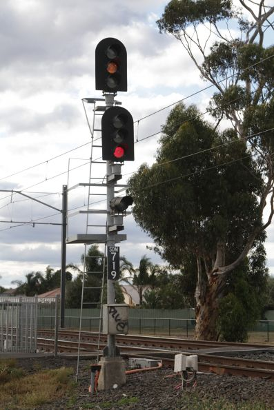 Trainstop and TPWS equipment fitted to signal SDM719 for down trains at Watergardens