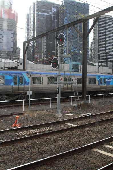 TPWS fitted to signal 562 on the suburban tracks at Southern Cross Station