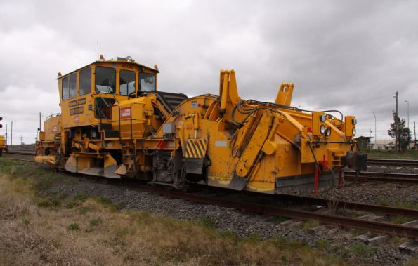 Plasser and Theurer SSP-110SW ballast profiler, operated by John Holland, coded 41135