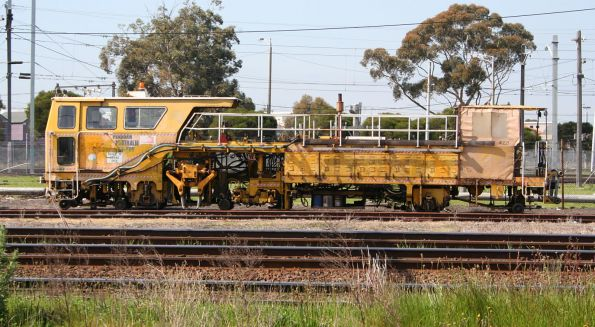 John Holland operated Plasser 07-16B tamper, coded 41221