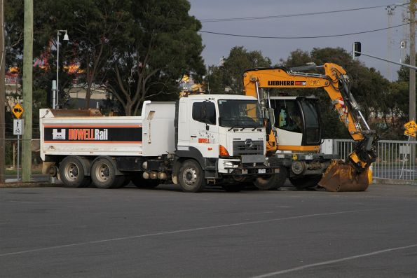 Howell Rail hi-rail truck and excavator at North Dynon
