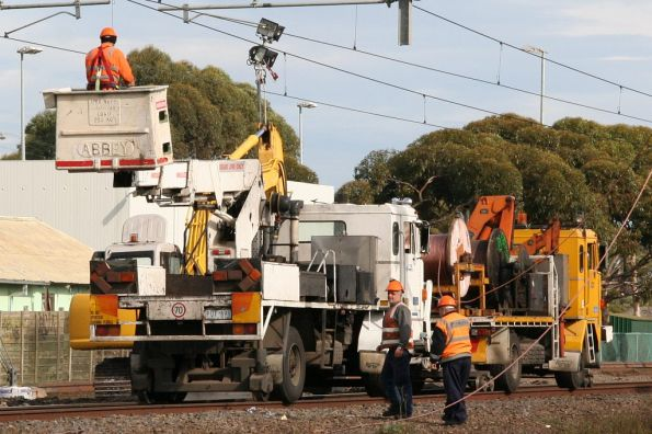 RFW hi-rails working on the overhead at Laverton