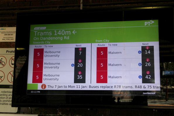 TramTracker screens on the concourse at Windsor platform 1