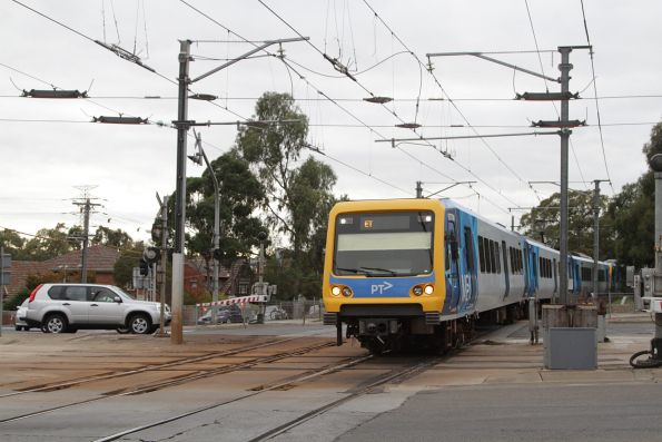 X'Trapolis 937M on a Flinders Street service at Gardiner