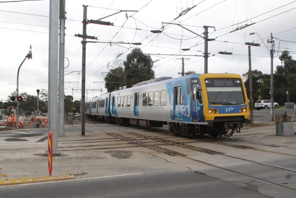 X'Trapolis 114M departs Gardiner with an up Glen Waverley service