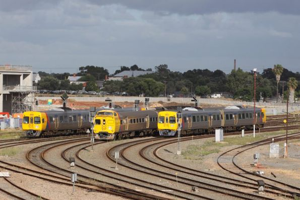 Comeng, Jumbo, Comeng passing through Adelaide yard