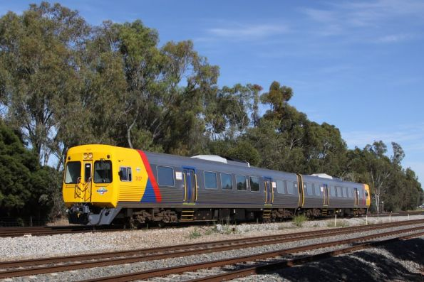 Comeng 3127 and classmate on the up at Torrens Junction