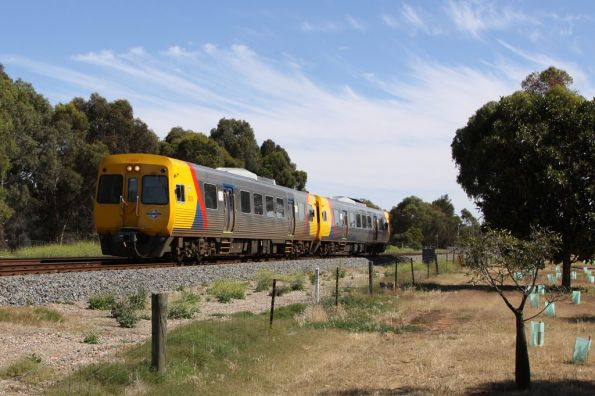 Comeng 3024 and classmate form a 2-car train on the up at North Adelaide