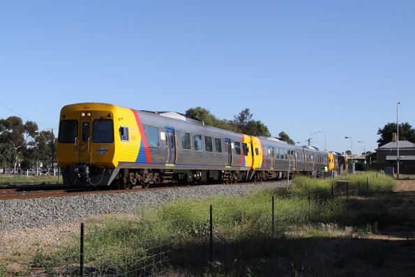 Comeng 3016 departs North Adelaide on the up, leading 4-car lashup made up of a 3100 class set and a 3000 class