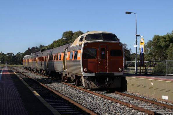 STA liveried Jumbo 2107 leads a 3-car set through North Adelaide on the down