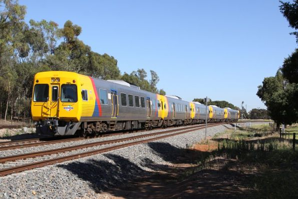 3000 class quintuplets head empty cars to Dry Creek at Torrens Junction