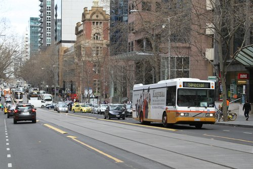 Sita bus #67 5477AO on a eastbound route 232 service at Collins and King Street