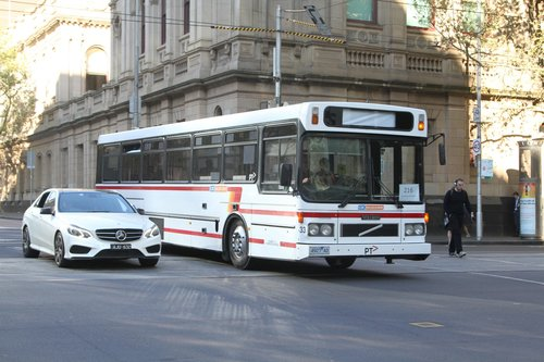 CDC Melbourne high floor bus #33 4927AO on a route 216 service at Lonsdale and William Street