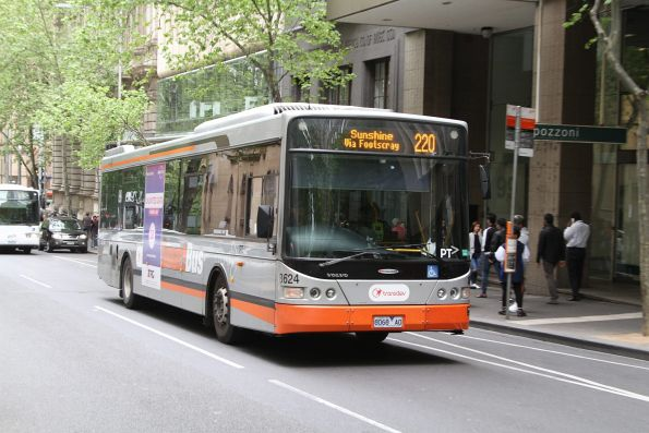 Transdev bus #8624 8068AO on a route 220 service at Queen and Collins Street
