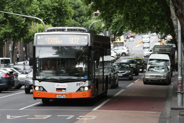 Transdev bus #943 rego 7868AO heads east on Lonsdale Street with a route 907 service