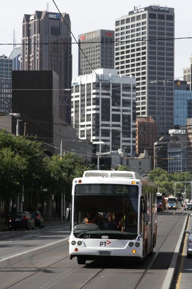 Transdev bus #547 rego 5843AO with a route 234 service heads south on Queensbridge Street