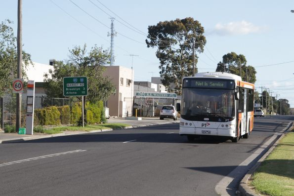 Transdev bus #436 rego 9036AO heads out of service along Market Road in Sunshine