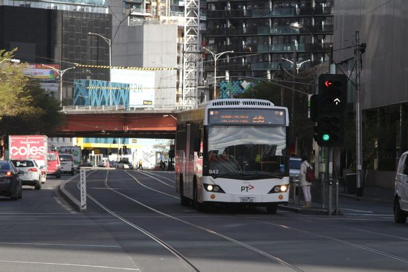 Transdev #942 rego 7806AO with a route 236 service along the rebuilt tram and bus lane on Queensbridge Street