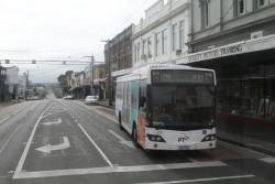 Transdev bus #915 6517AO on a route 200 service at Johnston and Brunswick Street