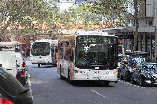 Transdev #5913 on route 220 at Queen Street and Flinders Lane