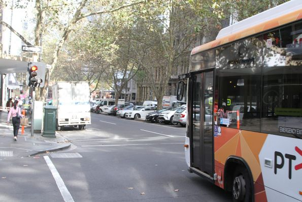 Transdev #535 5831AO on a terminating route 251 service makes a u-turn at Queen Street and Flinders Lane