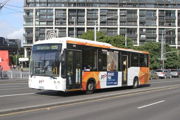 Transdev #506 4993AO on a route 220 service on Queens Bridge