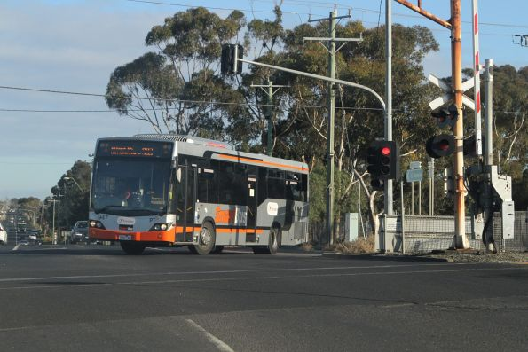 Transdev #947 7869AO on route 903 turns from Wright Street into Market Road