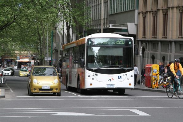 Transdev bus #375 0375AO heads north on route 220 at Queen and Bourke Street