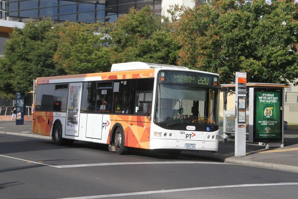Transdev bus #391 5291AO on route 220 at Sunshine Plaza